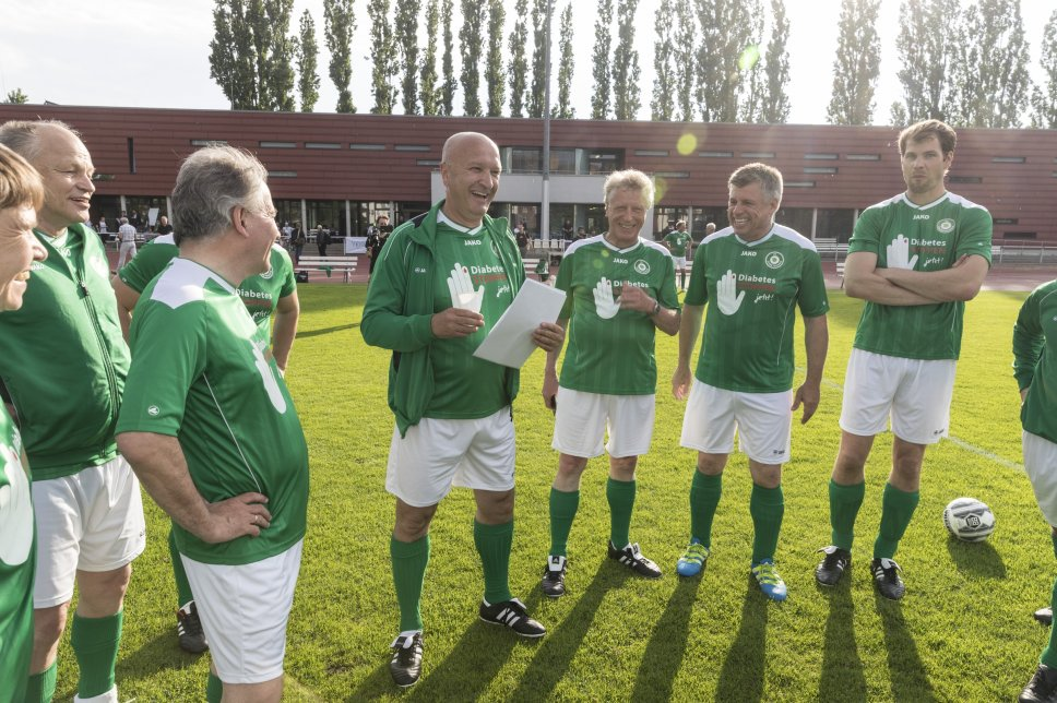 FC Diabetologie vs. FC Bundestag (Rückspiel): Absprache