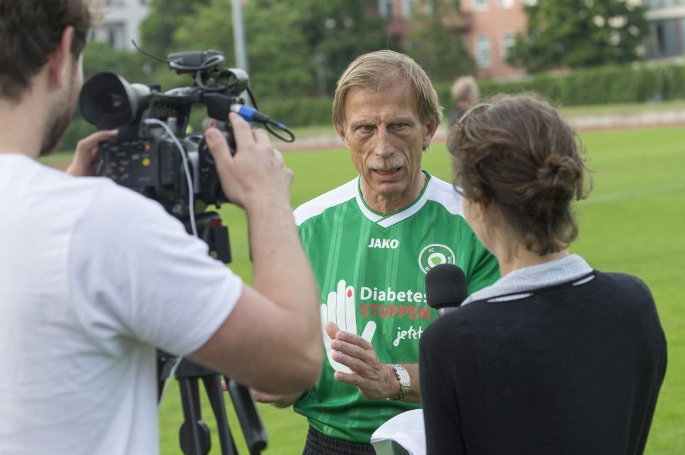 FC Diabetologie vs. FC Bundestag (Rückspiel): Christoph Daum im Interview