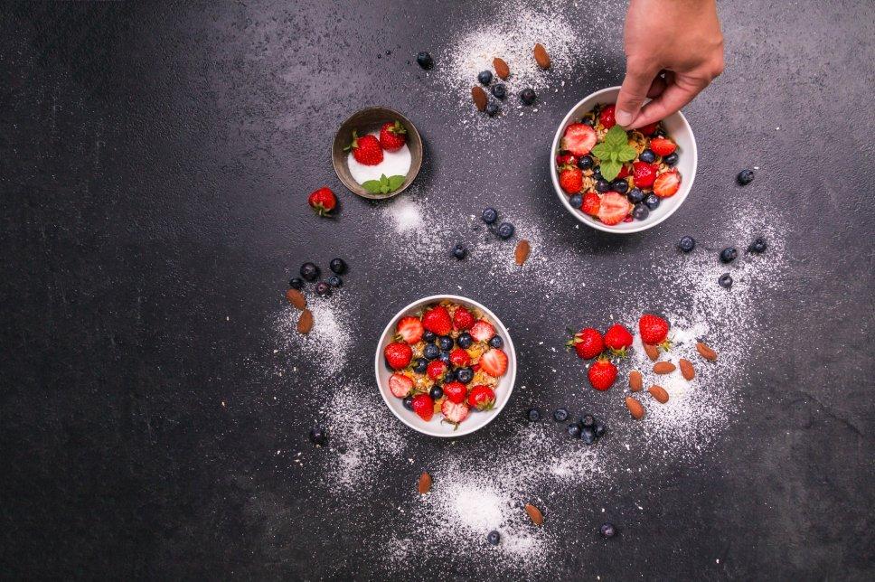 Frühstück mit Erdbeeren