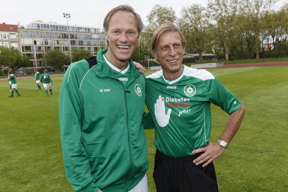 Fußball: FC Bundestag vs. FC Diabetologie mit Delling und Daum