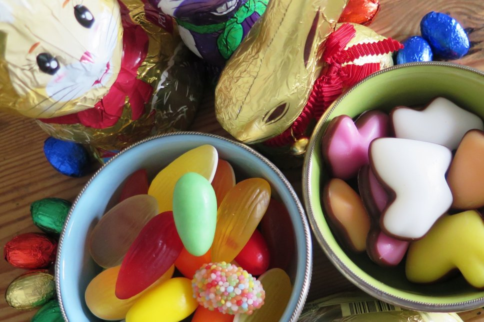 Süßigkeiten mit Osterhase aus Schokolade