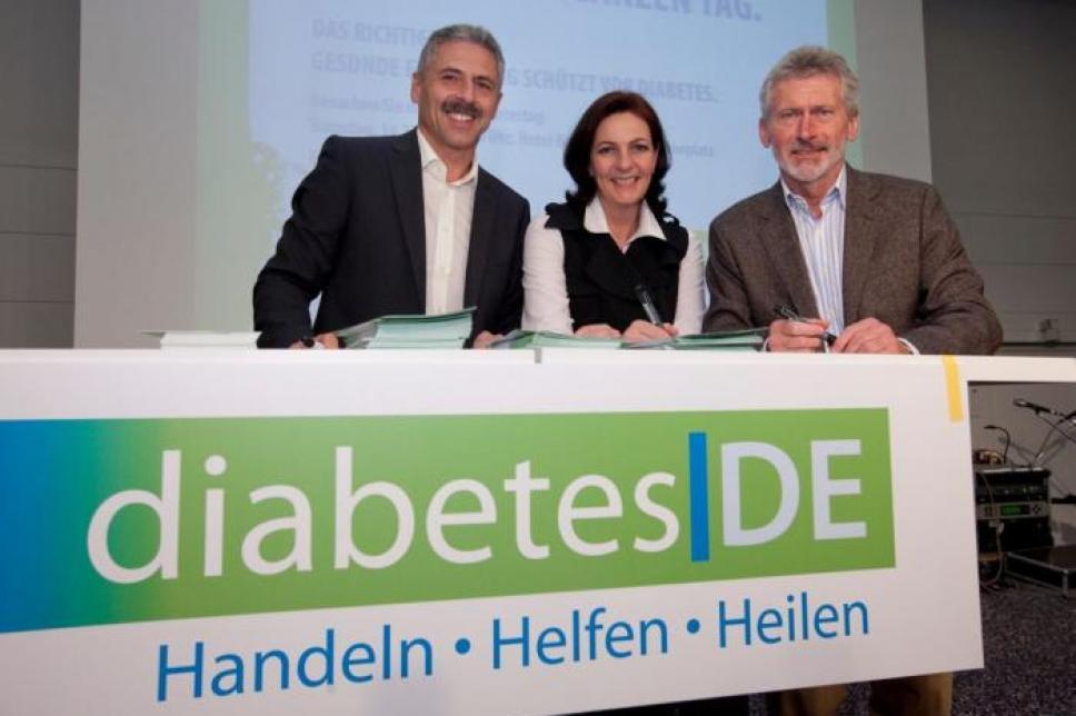 Autogrammstunde mit Paul Breitner und Hürdenlaufer Dr. Harald Schmid Weltdiabetestag 2009