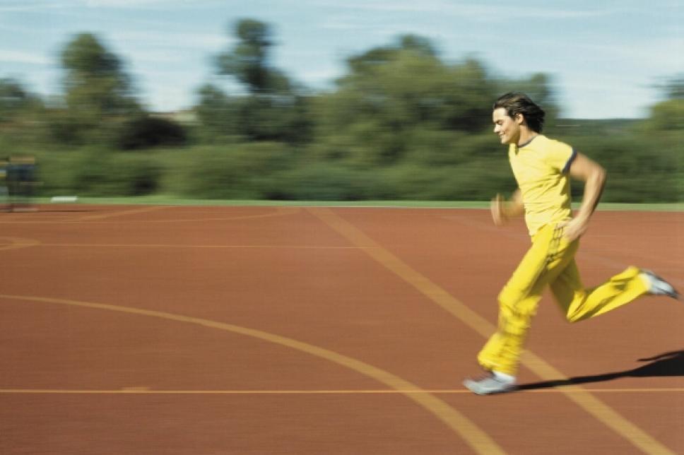 Sprint auf Sportplatz