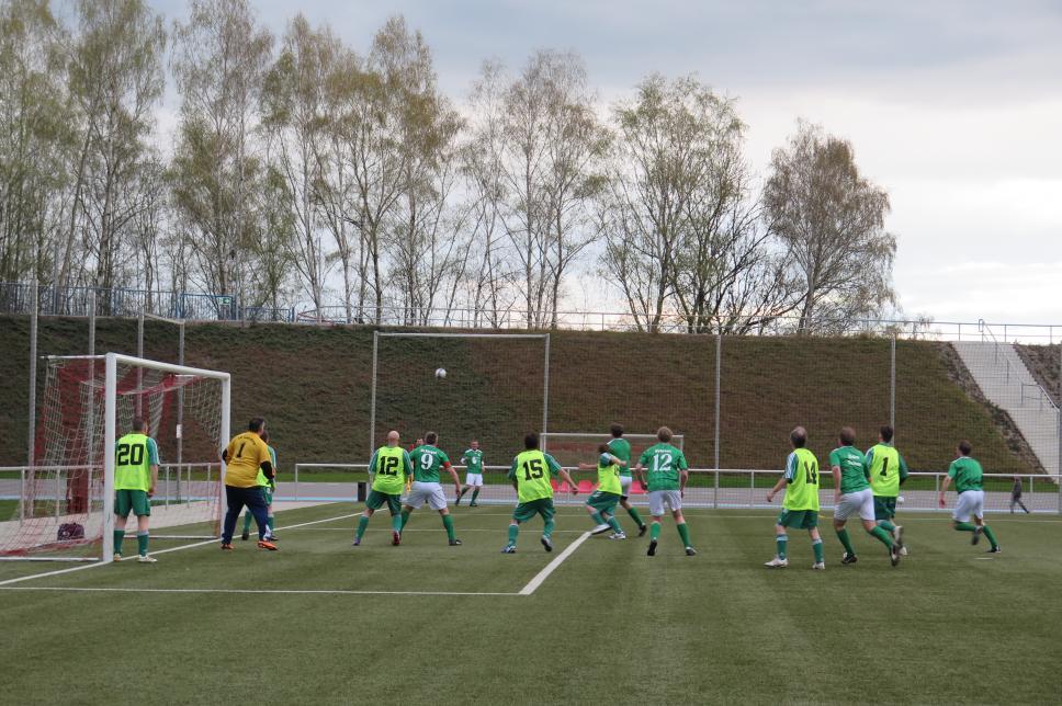FC Diabetologie vs. FC Landtag Sachsen: Spiel auf ein Tor