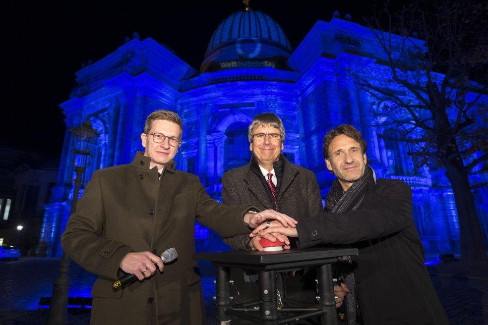 Vorstandsvorsitzender Dr. Jens Kröger (mi.) mit Oliver Wehner (li., Ges.pol. Sprecher CDU Sachsen) und Falk-Willy Wild (re., Schauspieler aus Dresden)