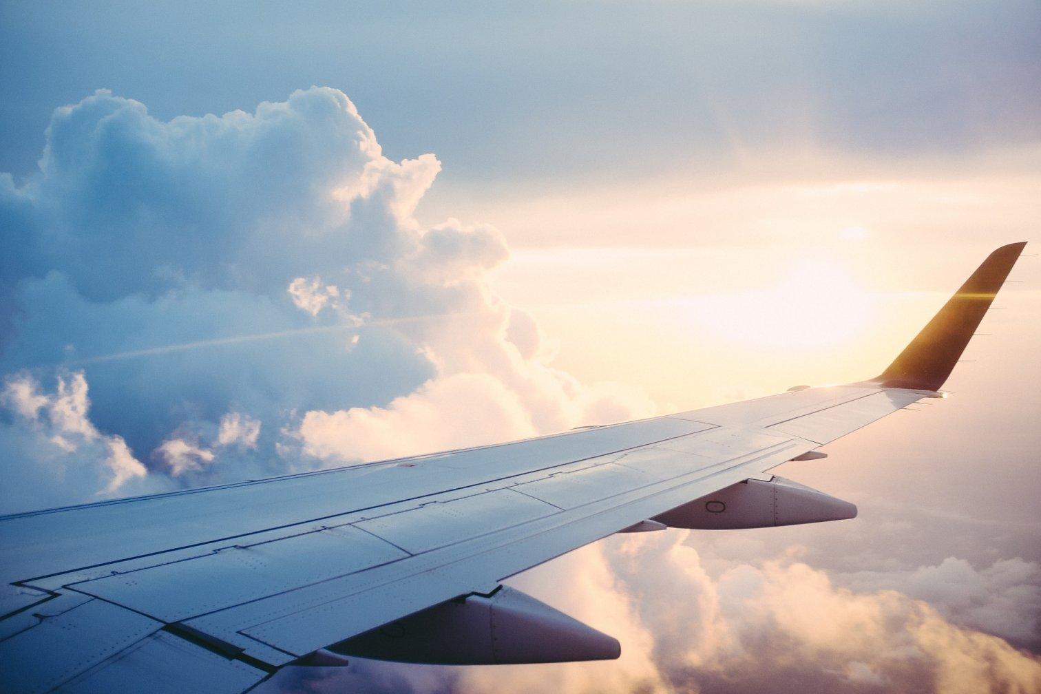Flugzeug - Reise in den Urlaub