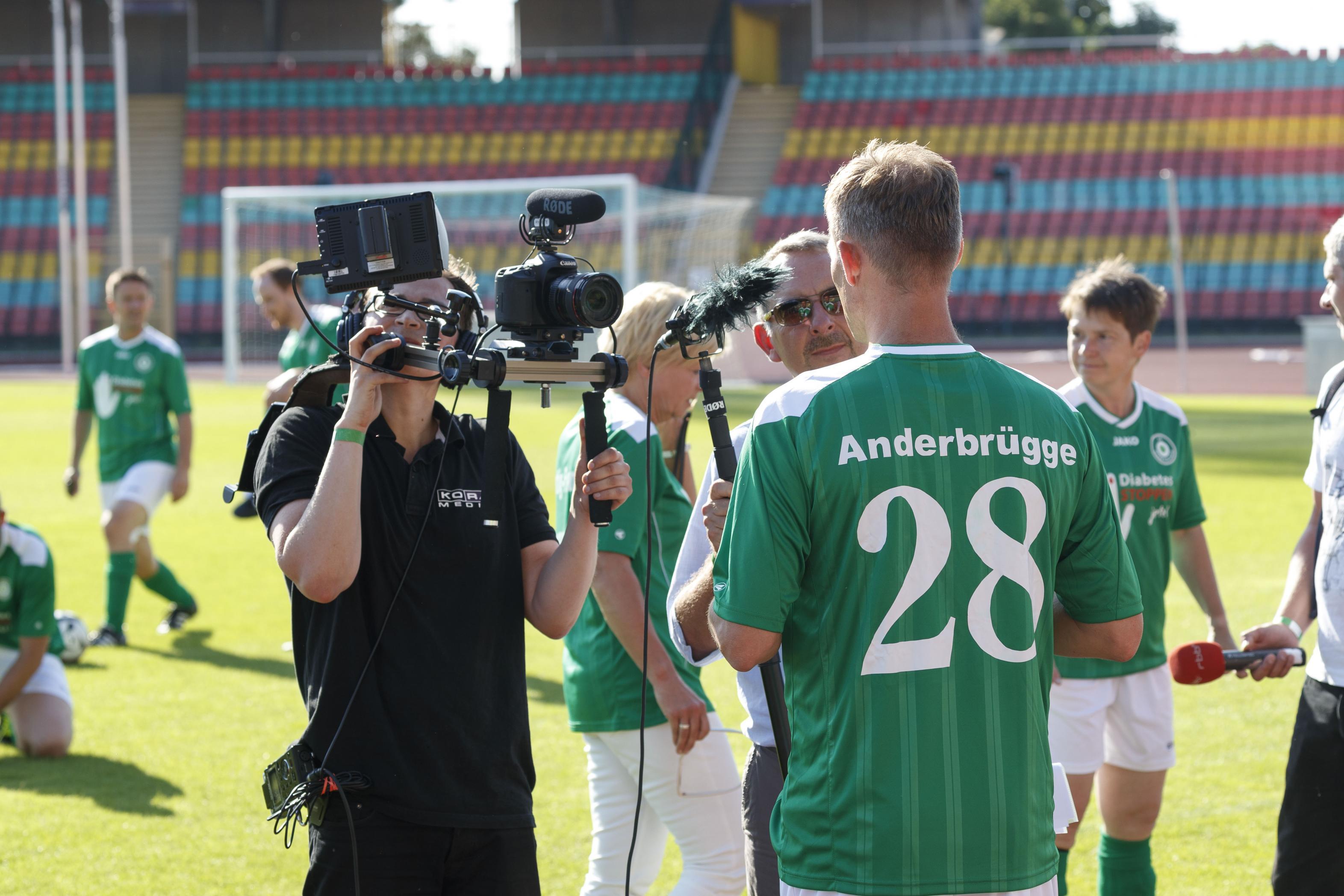 Fußballspiel FC Bundestag vs. FC Diabetologie 2017 - Ingo Anderbrügge im Interview