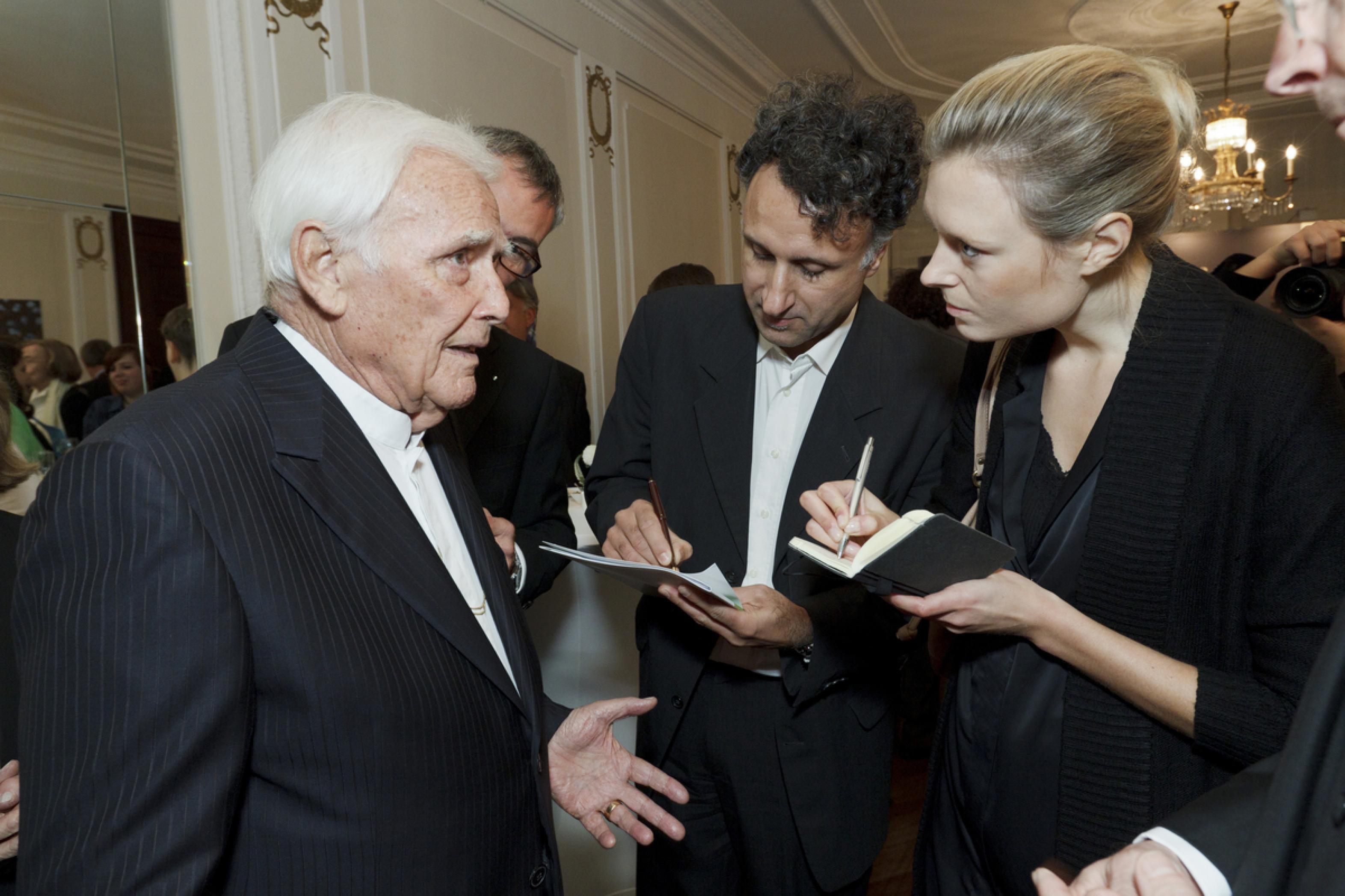 1. Diabetes-Charity-Gala, 2.11.2011 – Blacky Fuchsberger im Interview mit der Presse