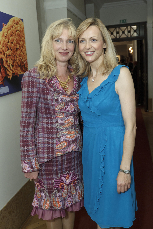 1. Diabetes-Charity-Gala, 2.11.2011 – Modedesignerin Nana Kuckuck zusammen mit Inge Stein (Moderatorin der 1. Diabetes Charity Gala)