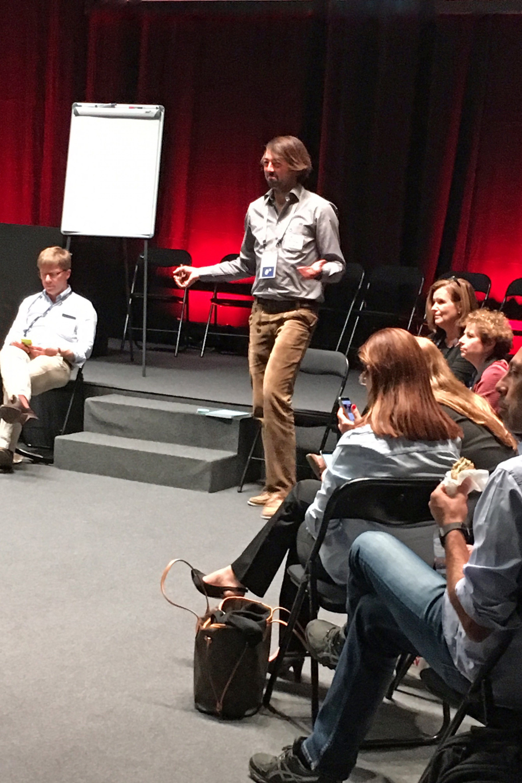 Bastian Hauck, Mitglied des Vorstands von diabetesDE, bei seinem Vortrag auf dem EASD 2017