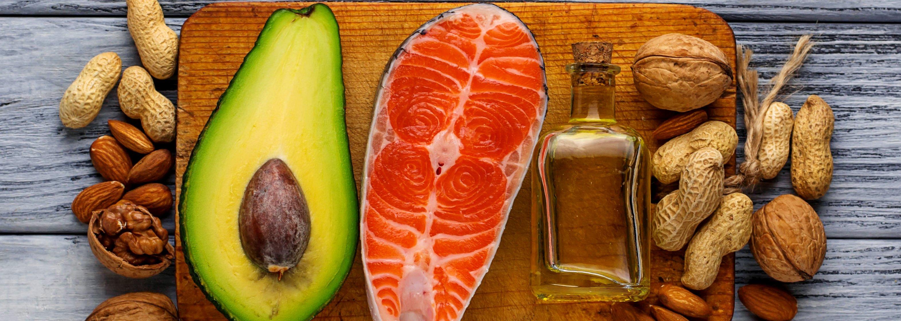 Fett: Avocado, Lachs, Öl, Nüsse