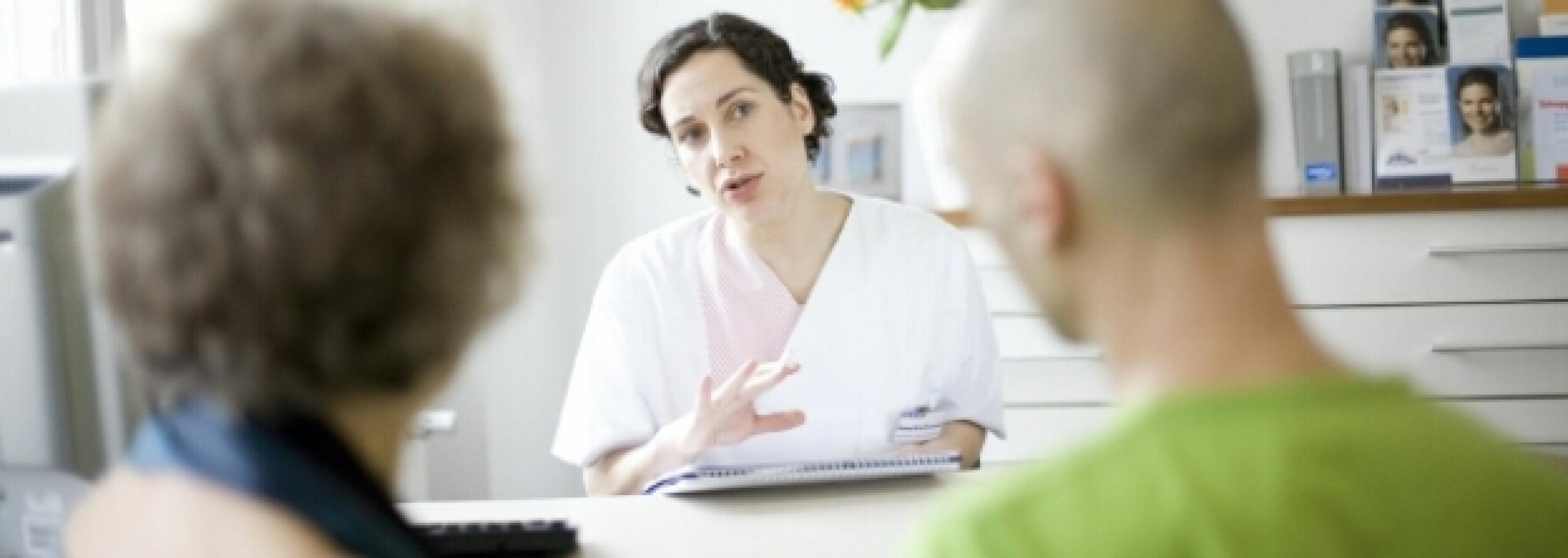 Arztgespräch mit Patienten Schmuckbild
