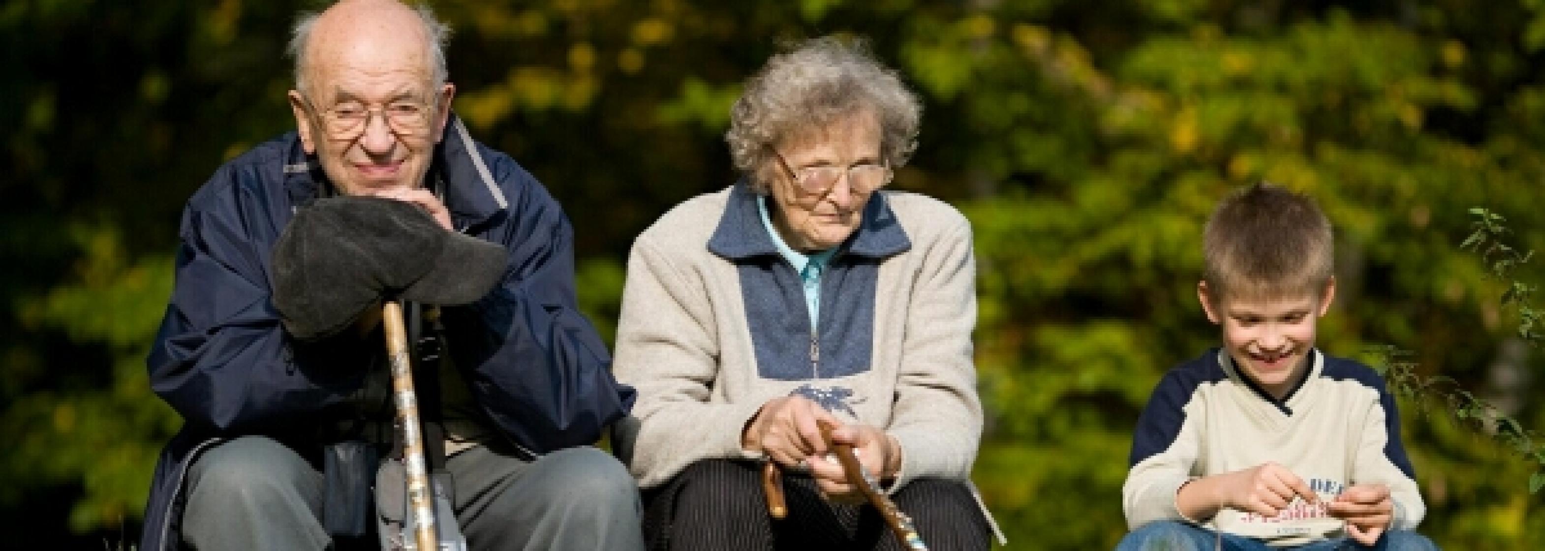 Menschen Gruppe Großeltern
