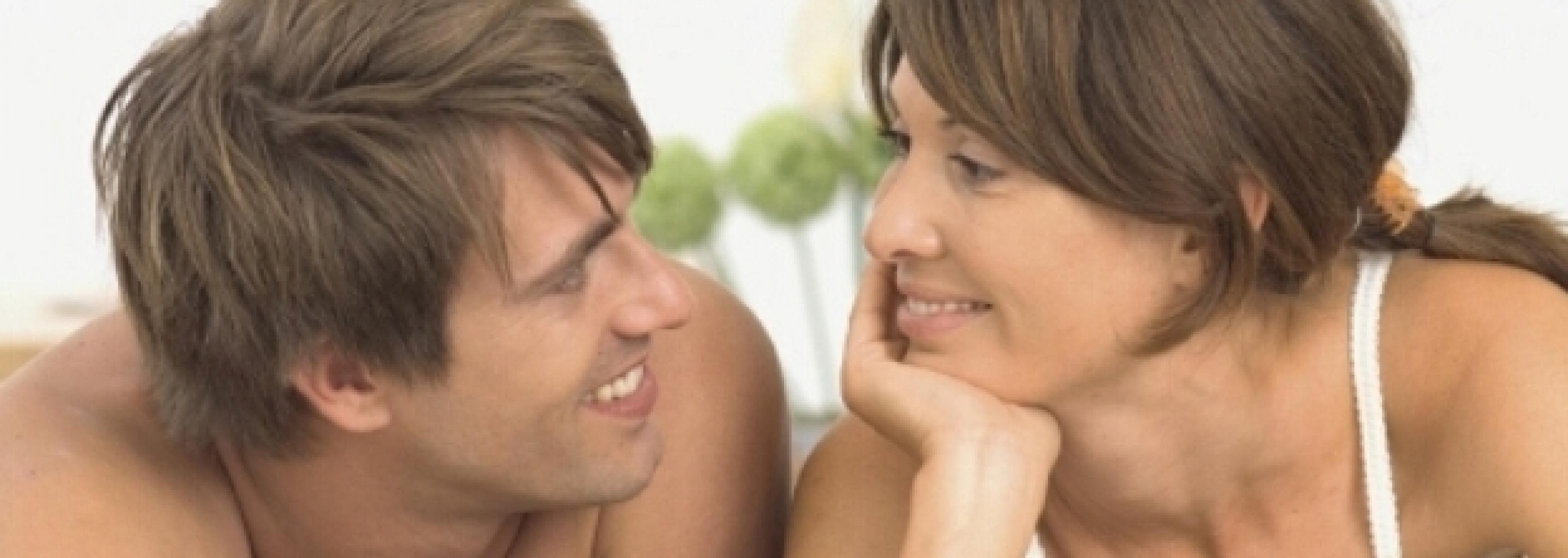 Mann und Frau im Bett Schmuckbild