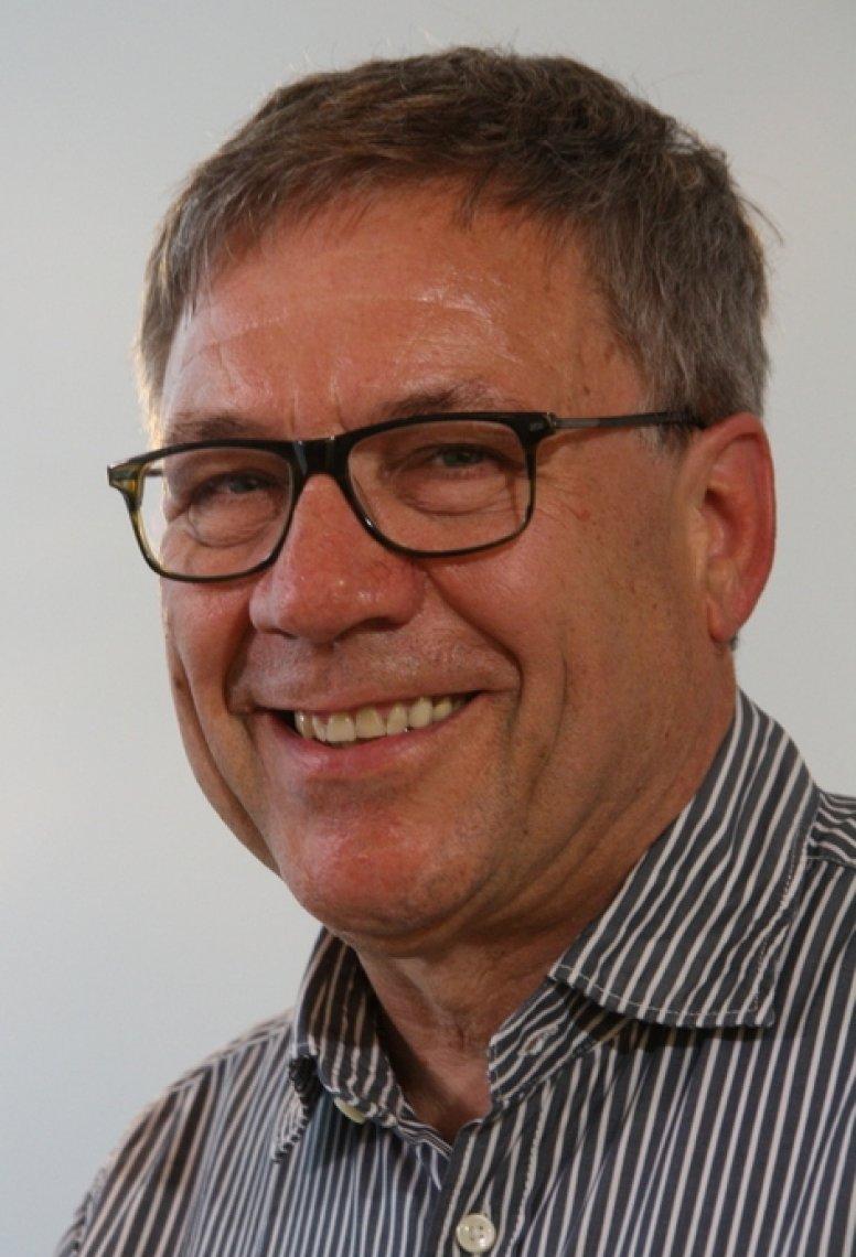 Dr. Bertil Oser